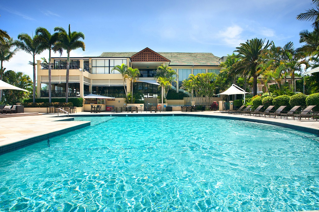 The deck opens new venue space at mercure gold coast for Pool design gold coast