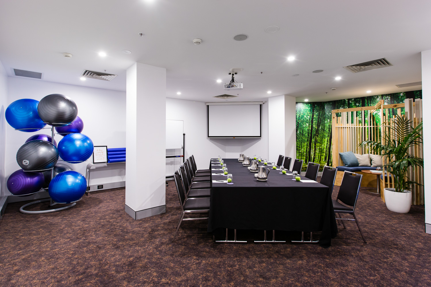 Rooms: The Trend For Healthy Corporate Events