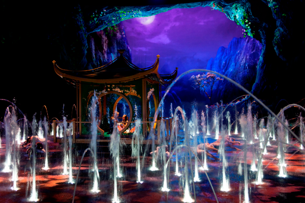 experience-spectacular-shows-including-the-house-of-dancing-water