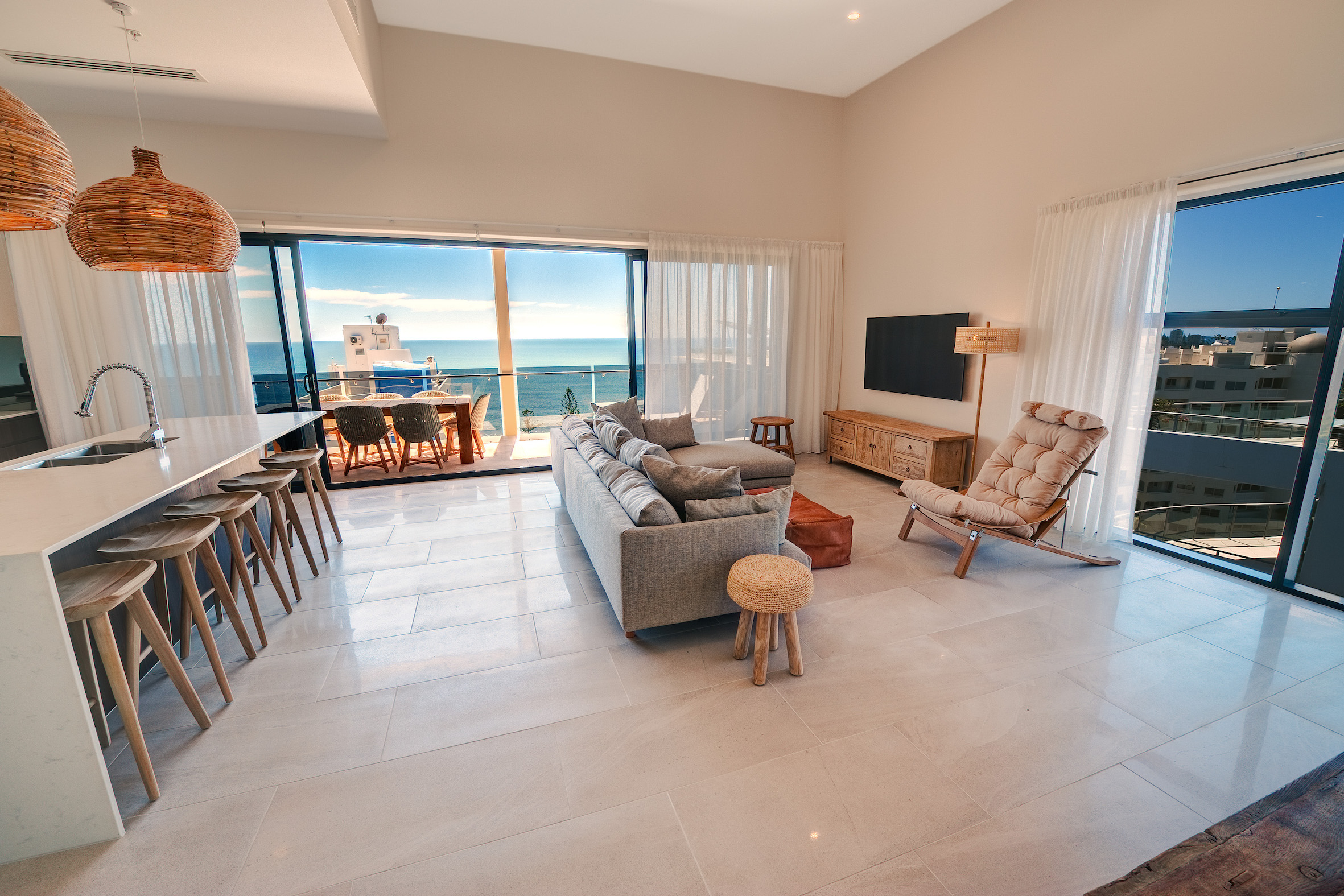 the big fat hotel wrap the nibbler. Black Bedroom Furniture Sets. Home Design Ideas